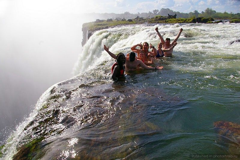 Victoria-Falls-–-An-Exciting-and-Dangerous-Place-for-Swimming-3