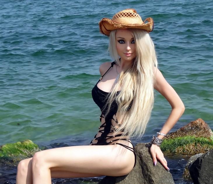 Chicas-que-lucen-cómo-Barbie-3-730x628