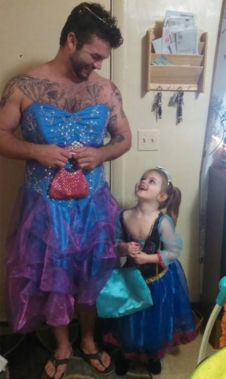 Tío-se-disfraza-de-princesa-2-447x750