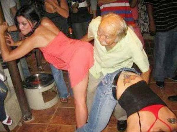 funny-old-people-party-hard-lol-pics-images-photos-18