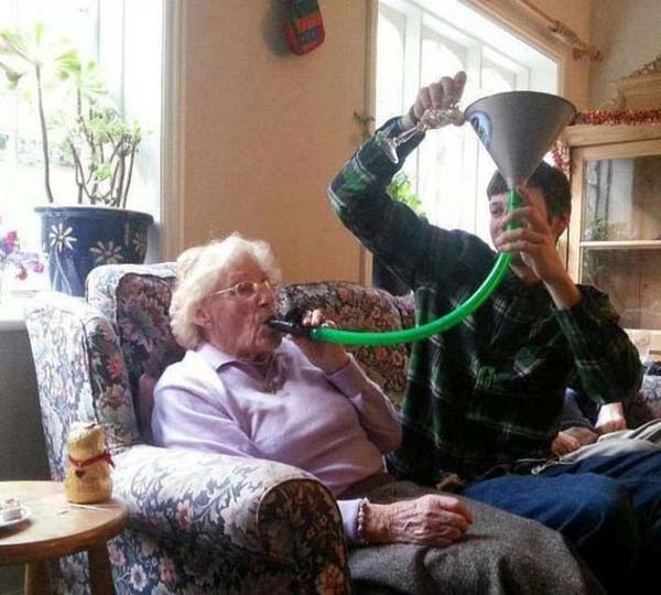funny-old-people-party-hard-lol-pics-images-photos-32
